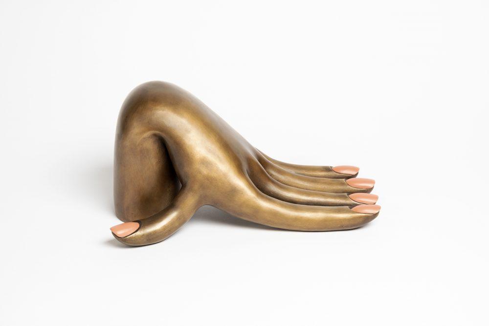 genesis_hand_lq_01